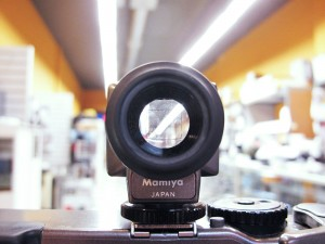 Mamiya 43mm Lens Accessory viewfinder view for sale at CameraTechs